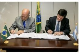 Brasil e Argentina assinam acordo de cooperação em Propriedade Industrial